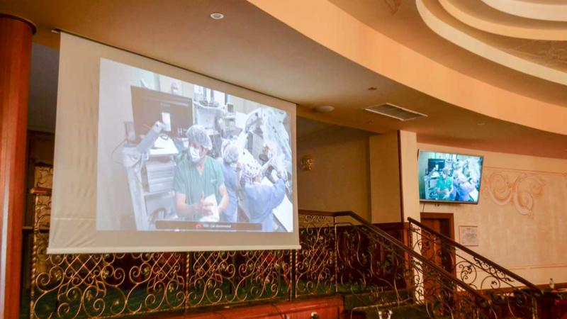 ВИДЕО: Операция за възстановяване на слуха с коментар от доц. д-р П. Руев